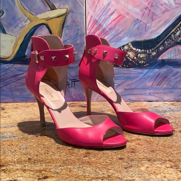 hot pink valentino heels